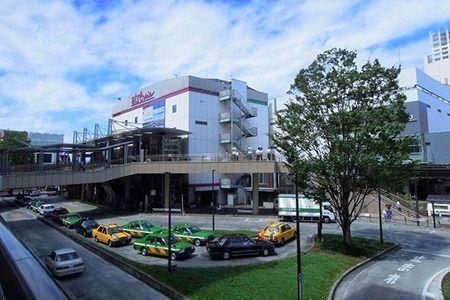 南口は小田急バス・京王バスのバス便が充実。駅前開発も進んでいます。