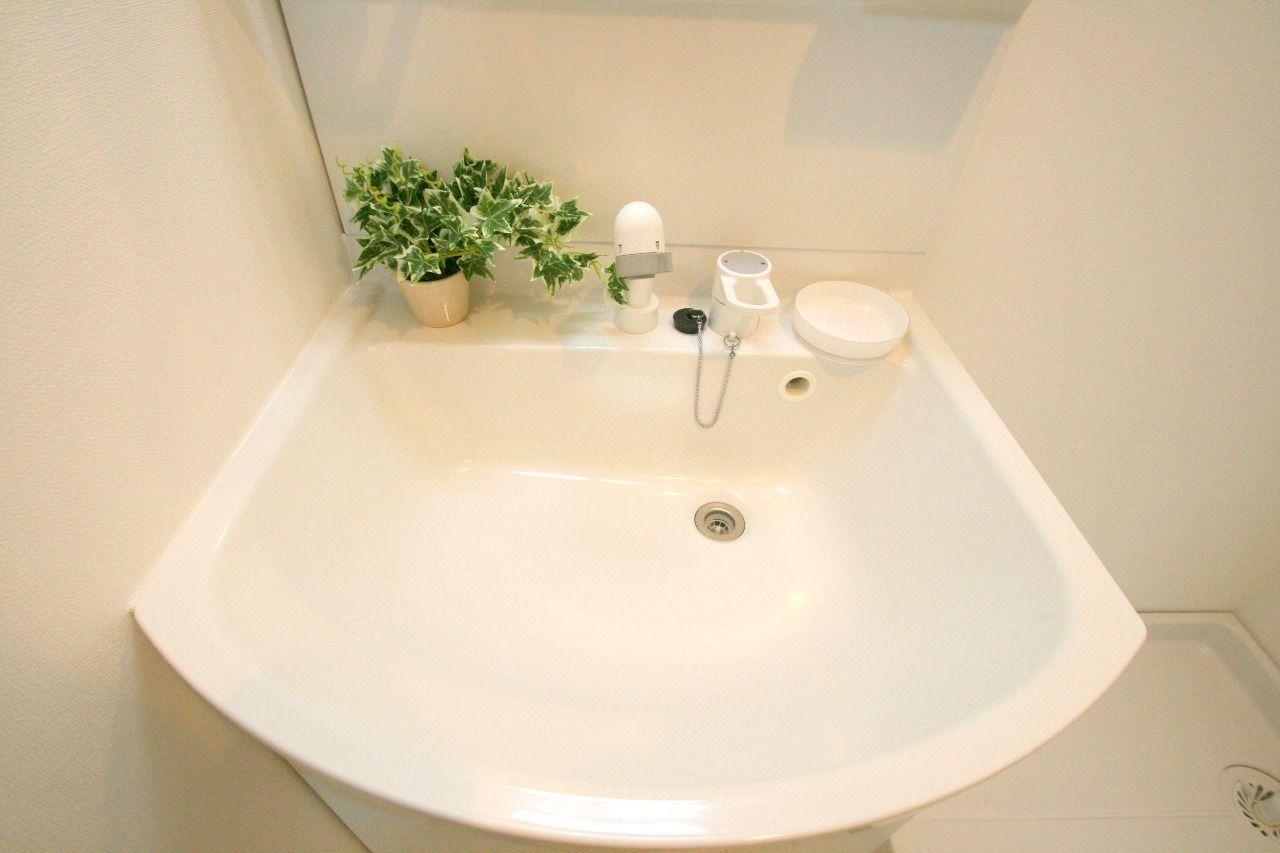 ここで洗顔をしても水が跳ねません。